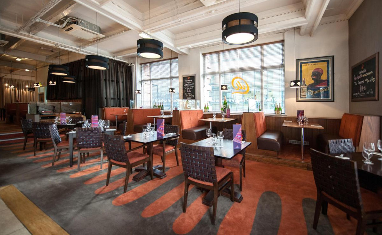 Restaurants near the Apollo Manchester ~ The Lounge Bar at The Abode Manchester